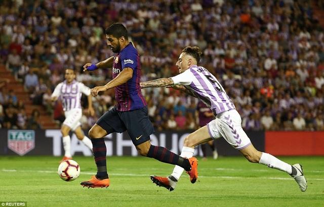 Luis Suarez bỏ lỡ quá nhiều cơ hội trước Valladolid