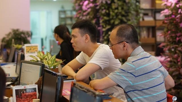 Dù lượng khách đông nhưng do số lượng vé máy bay có hạn nên nhiều đơn vị lữ hành chỉ chốt số lượng khách nhất định.