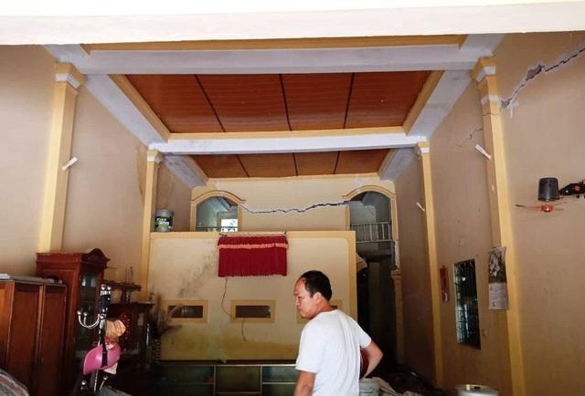 Căn nhà ông Thái hư hỏng nặng.