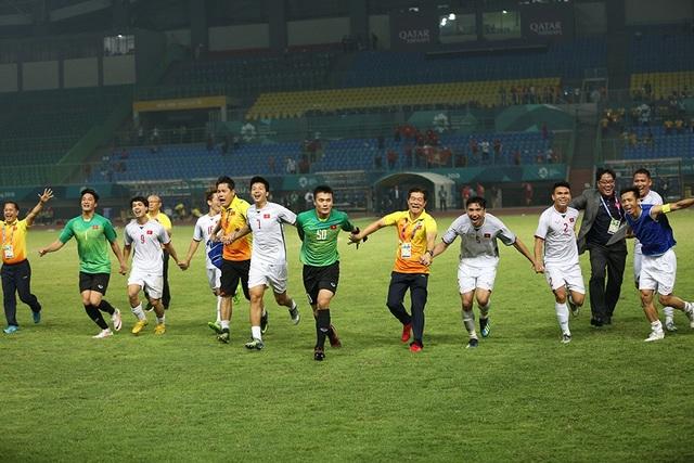 Niềm hạnh phúc vô bờ bến của các cầu thủ Olympic Việt Nam