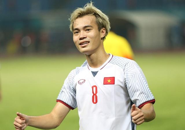 Giành vé vào bán kết, Olympic Việt Nam ăn mừng đầy cảm xúc cùng cổ động viên - 6