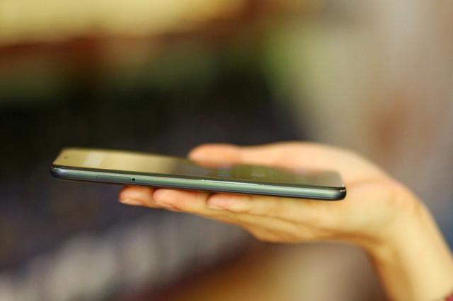 """Xiaomi tung Pocophone cấu hình như """"siêu phẩm"""", giá dưới 9 triệu đồng - 7"""