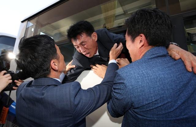 Theo số liệu thống kê của chính phủ Hàn Quốc, đã có 132.603 người Hàn Quốc đăng ký đoàn tụ với người thân, nhưng hiện chỉ còn 56.862 người còn sống. 85% những người còn sống đã trên 70 tuổi.