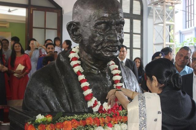 Tinh thần phản kháng bất bạo động của Mahatma Gandhi không chỉ đưa đất nước Ấn Độ tiến lên con đường độc lập mà còn truyền cảm hứng cho các phong trào đòi quyền tự do trên toàn thế giới.