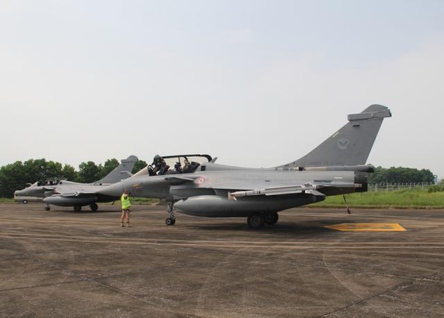 Cận cảnh dàn chiến đấu cơ của Không quân Pháp tại Nội Bài - 1
