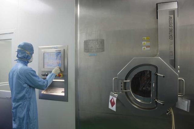 """Công nghệ """"KHÔNG SINH BỤI - KHÔNG TIẾP XÚC"""" được ứng dụng tại nhà máy sản xuất Dược tại SAVIPHARM."""