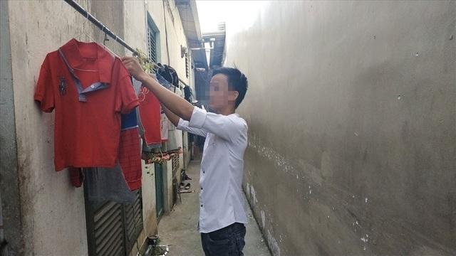 """Công nhân Nguyễn Văn Dương luôn ám ảnh với những lần """"khủng bố"""" của các đối tượng cho vay nặng lãi."""