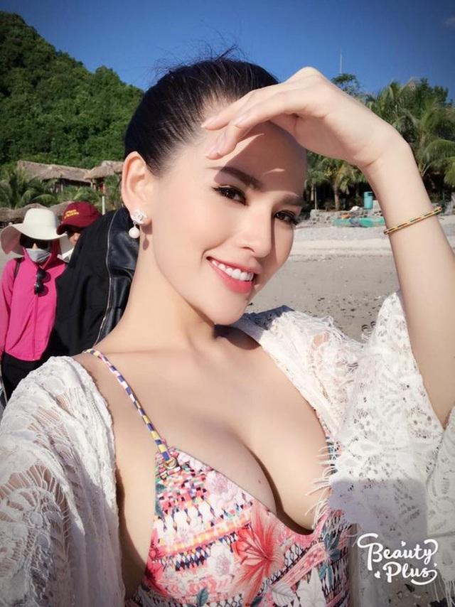 Gái Việt lên báo nước ngoài: Người bị chỉ trích, người được ca ngợi như nữ thần - 9