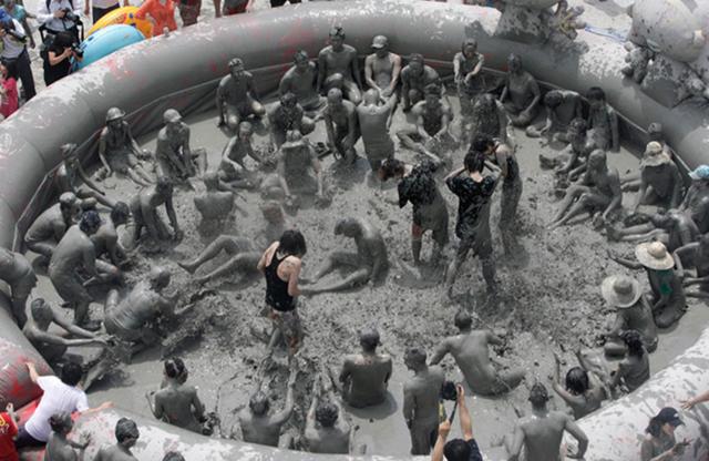 Nghỉ lễ 2/9:  Nghệ An có thêm Ngày hội tắm bùn độc đáo - 3