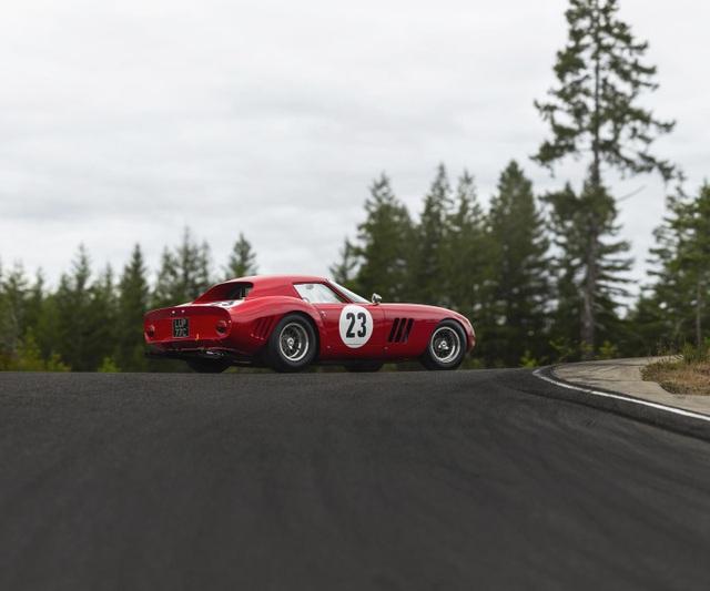 Chiếc Ferrari 250 GTO 1962 vừa được bán với giá hơn 1,1 nghìn tỷ đồng.
