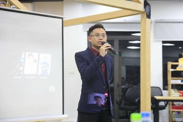 Chàng trai Đỗ Tiến Hưng luôn nỗ lực hết mình trong công việc