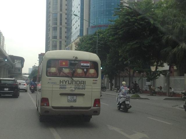 Phải chăng chủ nhân của chiếc xe buýt này là... thầy bói?