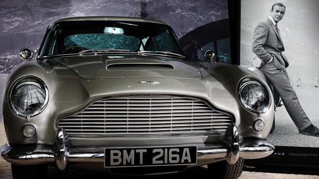 Aston Martinhồi sinh chiếc xe huyền thoại của James Bond - 2