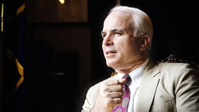 Thượng nghị sĩ John McCain (Ảnh: AFP)