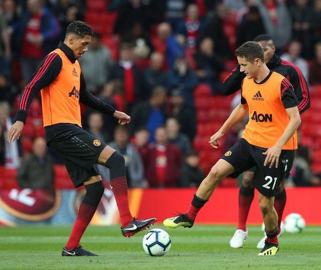 Smalling và Herrera đã trở lại đội hình xuất phát