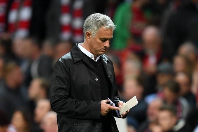 Mourinho bắt đầu phải tính toán tung ra những sự điều chỉnh
