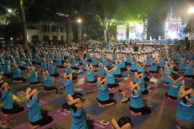Chương trình Ngày Quốc tế Yoga diễn ra tại Hà Nội