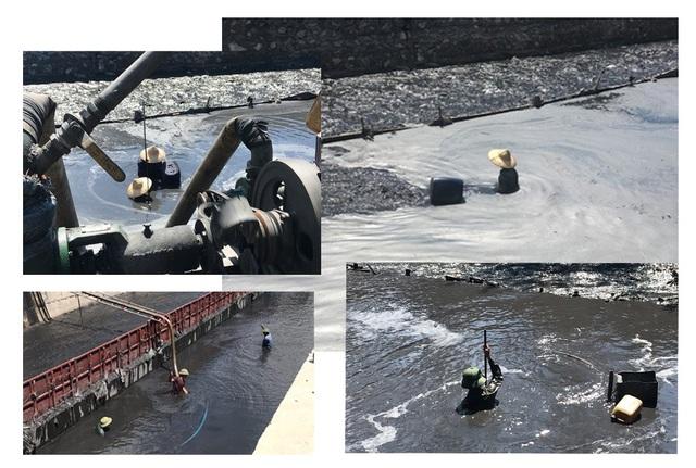 Những người đãi vàng đen phải thường xuyên ngâm mình trong dòng nước than đen ngòm.