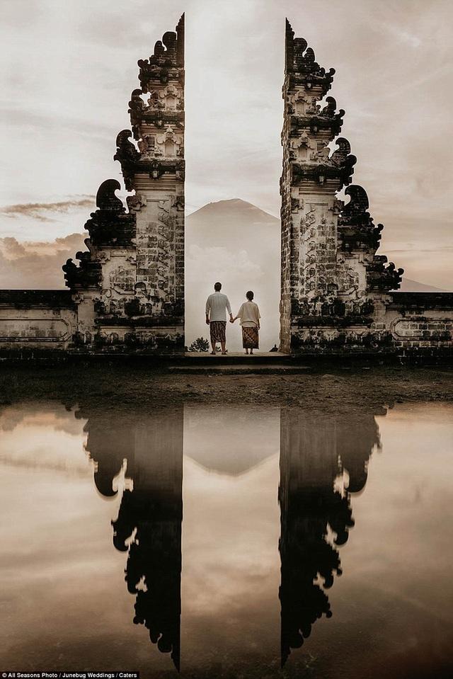 Một ngôi đền ở Karangasem, Bali, Indonesia.