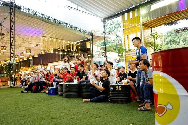 Những tấm vé xem Việt Nam thi đấu tại Indonesia là một nỗ lực lớn của ông và đội ngũ nhân viên, tri ân những tình cảm của người hâm mộ đã quan tâm đến quá trình thi đấu của tuyển thủ Việt Nam. Người hâm mộ được chơi game, bốc thăm trúng thưởng,…để nhận lấy cơ hội bay đến Pakansari.