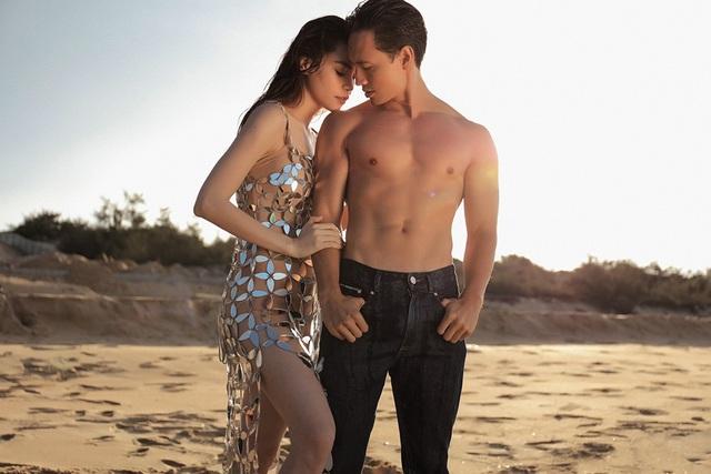 """Mới đây, Hồ Ngọc Hà và bạn trai Kim Lý đã có sự tái hợp trên màn ảnh trong MV """"Em muốn anh đưa em về"""" với nhiều cảnh hôn ngọt ngào và tình tứ hơn. Cũng không ít cảnh giường chiếu hơn sản phẩm đầu tiên."""