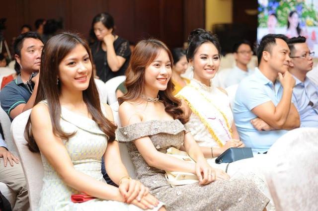 Những người đẹp từng đoạt giải của cuộc thi Hoa khôi Sinh viên Việt Nam các mùa trước.