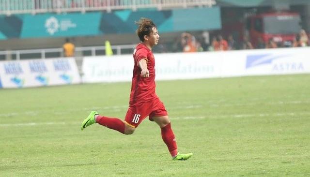 Niềm vui của Minh Vương sau khi ghi bàn cho Olympic Việt Nam, vào lưới Hàn Quốc (ảnh: Huyền Trang)