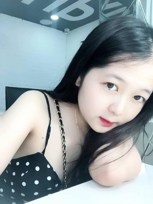 Đồng hương Văn Toàn có một fan girl bóng đá xinh đẹp thế này! - 5