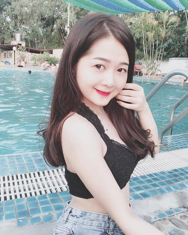 Đồng hương Văn Toàn có một fan girl bóng đá xinh đẹp thế này! - 8