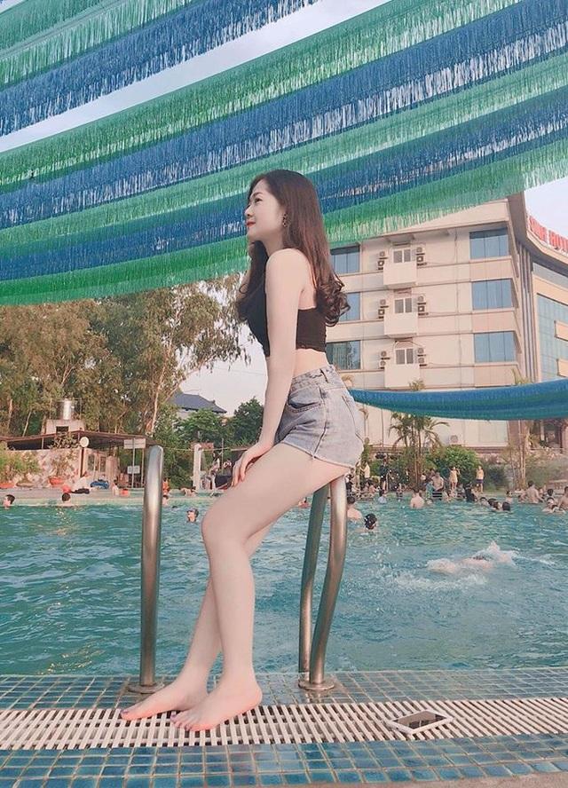 Đồng hương Văn Toàn có một fan girl bóng đá xinh đẹp thế này! - 9