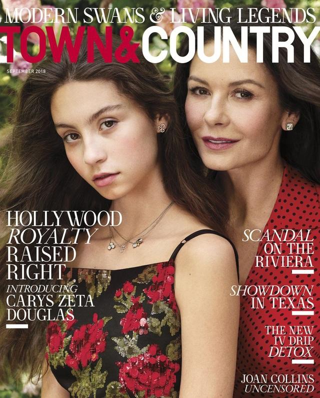Ngỡ ngàng với nhan sắc xinh đẹp của con gái Catherine Zeta-Jones - 1