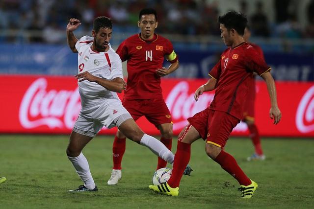 Xuân Trường (phải) đang được HLV Park Hang Seo đặt trọn niềm tin nơi đội tuyển Olympic Việt Nam (ảnh: Gia Hưng)