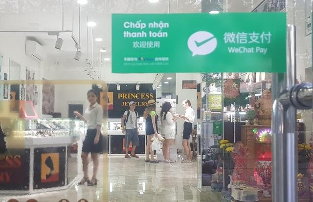 Cửa hàng ở Nha Trang chấp nhận thánh toán qua Wechat Pay với khách Trung Quốc bất chấp khuyến cáo từ chính quyền