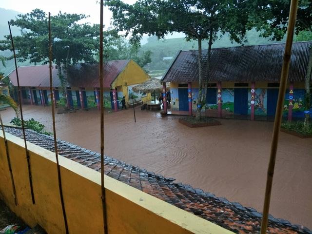 Kinh hoàng lũ ống đổ hàng trăm tấn bùn xuống Trường PTDTBT tiểu học Chà Nưa - 5