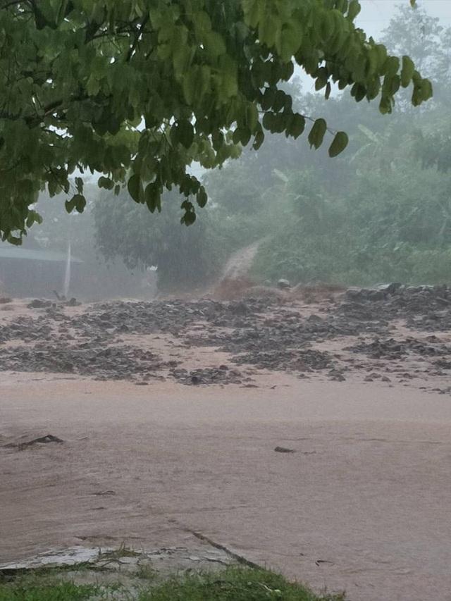 Lũ ống, lũ quét kéo theo hàng trăm tấn bùn đất gây thiệt hại nặng xã Chà Nưa, huyện Nậm Pồ, tỉnh Điện Biên