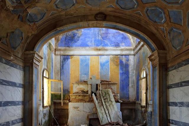 Vẻ đẹp vẫn còn hiện hữu trên lâu đài cổ ở Toiano nằm nép mình bên ngọn đồi Tuscany.