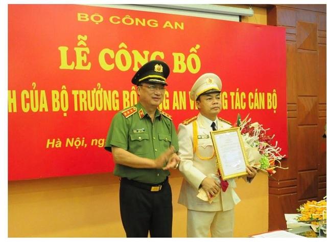 Thứ trưởng Bộ Công an Nguyễn Văn Thành trao Quyết định bổ nhiệm Hiệu trưởng đ/c Phó Hiệu trưởng Lê Quang Bốn