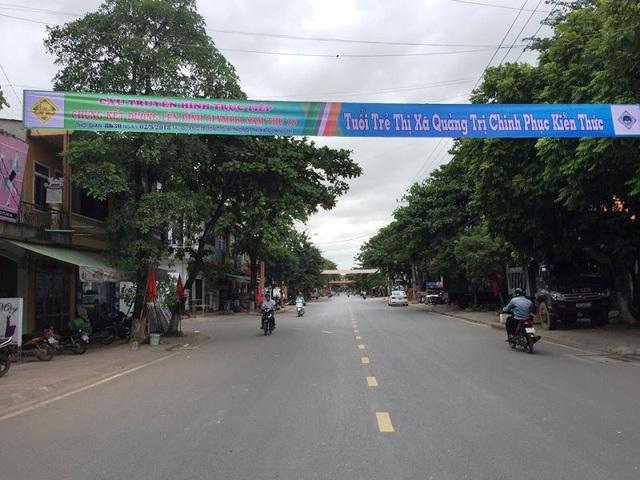Đường phố căng băng rôn thông báo về cuộc thi Olympia