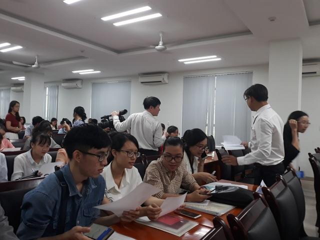 Các giáo viên vừa trúng tuyển viên chức ngành GD Đà Nẵng tự tra cứu và chọn trường công tác theo nguyên tắc GV nào đạt điểm thi viên chức cao hơn được chọn trước