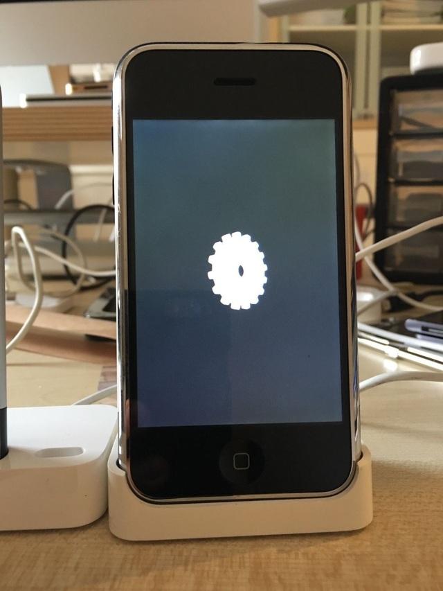Nguyên mẫu iPhone phiên bản đầu tiên được rao bán đấu giá hơn 750 triệu đồng - 5