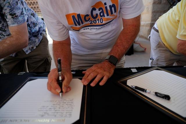 Vào ngày 31/8, linh cữu Thượng nghị sĩ John McCain sẽ được đưa tới tòa nhà quốc hội Mỹ ở Đồi Capitol, Washington để người dân tới tiễn biệt.