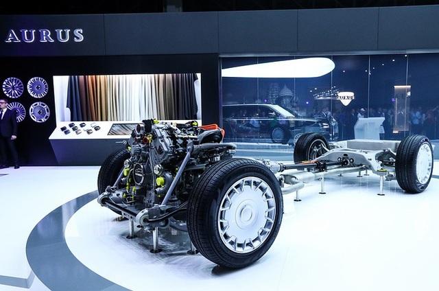 Động cơ của các xe Aurus Senat được trưng bày tại triển lãm ô tô ở Nga.