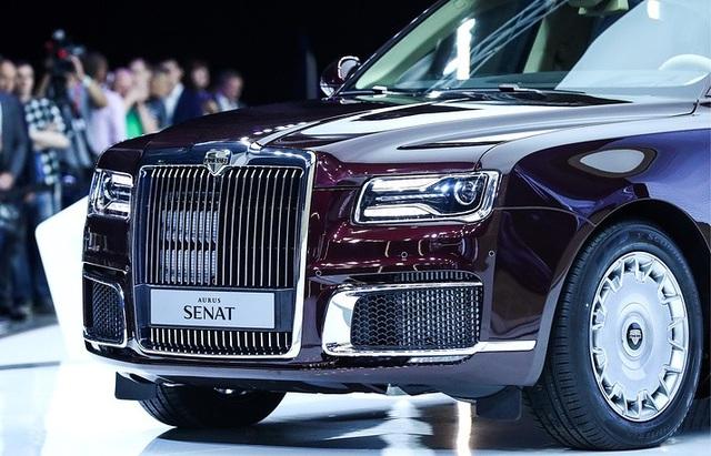 Với mong muốn đưa Aurus trở thành dòng xe phổ thông được sản xuất hàng loạt, Tổng thống Putin đã đề nghị nhà sản xuất nghiên cứu chế tạo ra những chiếc xe mà người dân ở mức thu nhập nào cũng có thể mua được.