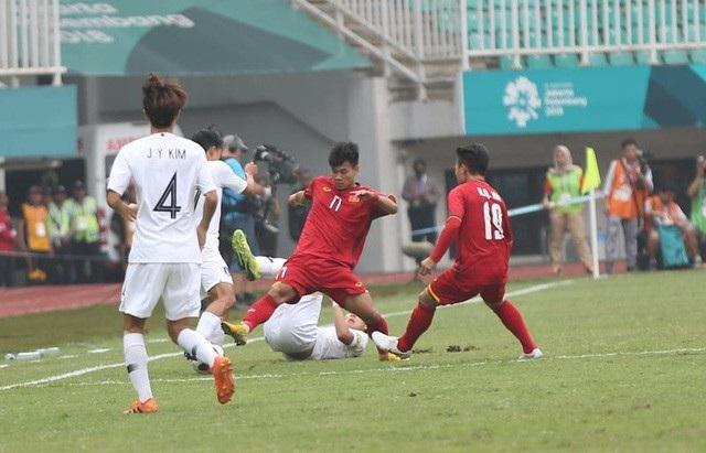 Dù không chiến thắng nhưng màn thể hiện của các cầu thủ Olympic Việt Nam trong trận bán kết được đánh giá là rất tốt (ảnh: Huyền Trang)