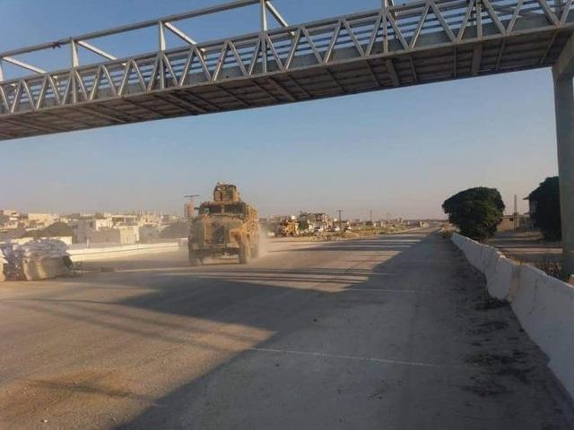 Đoàn xe quân sự Thổ Nhĩ Kỳ được cho là tiến về phía bắc Syria. (Ảnh: Almasdarnews)