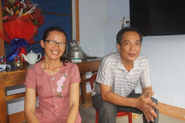 Hai vợ chồng tự hào vì các con ngoan ngoãn, chăm học