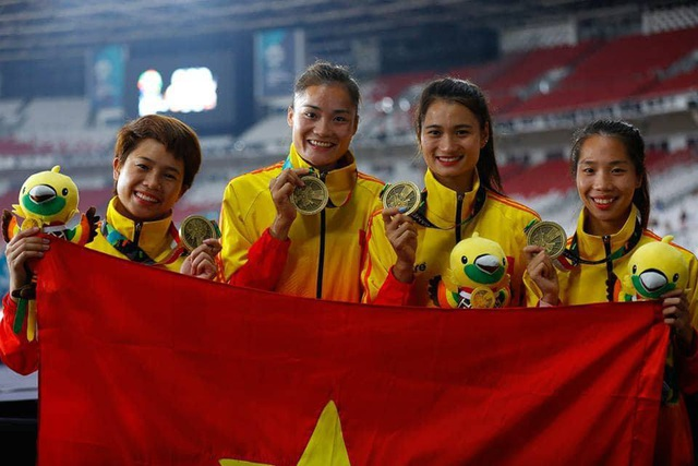 Quách Thị Lan, Nguyễn Thị Oanh, Nguyễn Thị Hằng và Hoàng Thị Ngọc đã giành HCĐ điền kinh nội dung chạy tiếp sức nữ 4x400m