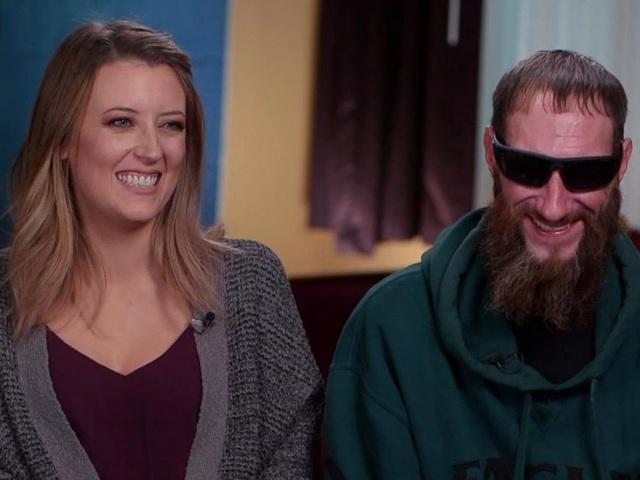 Cô Kate McClure và ông Johnny Bobbitt (Ảnh: ABC News)