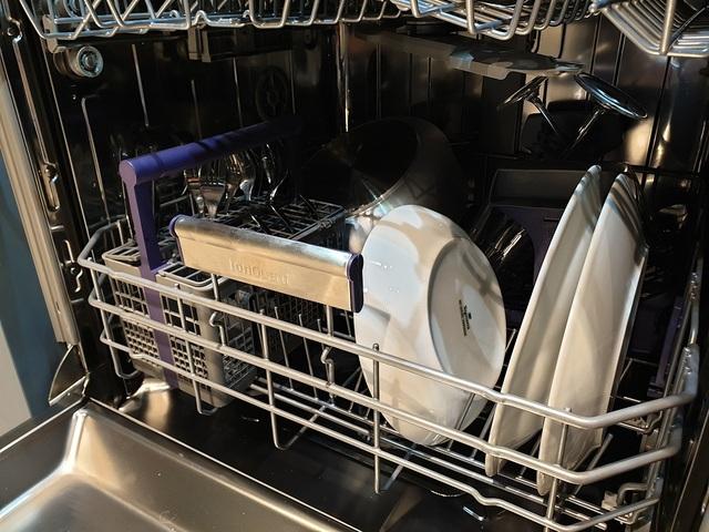 """Cận cảnh máy rửa chén đầu tiên trên thế giới có công nghệ """"không mùi"""" - 2"""