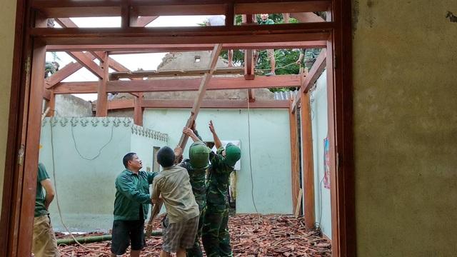 Di dời khẩn cấp 200 hộ dân, nhiều xã bị cô lập chưa thể tiếp cận - 6